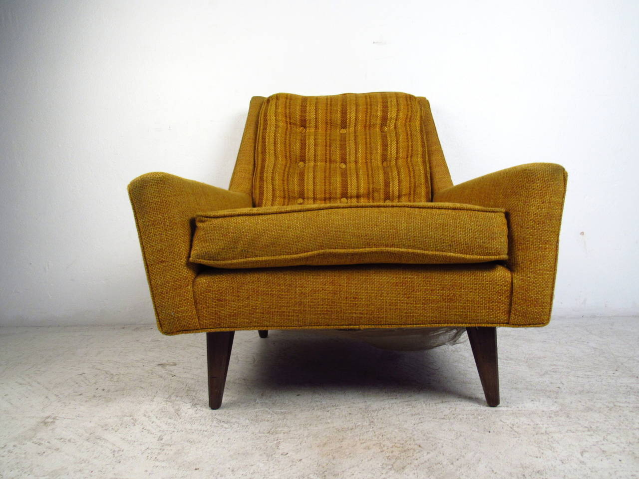 mid century chairs mid century modern upholstered lounge chair with tufted 29944