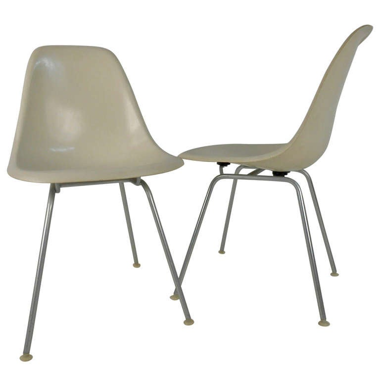 Herman miller charles eames fiberglass shell chair at 1stdibs - Herman miller chair eames ...