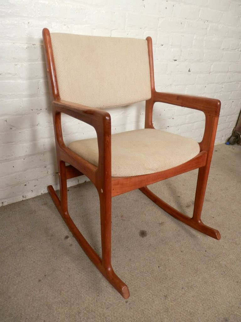 vintage mid century modern rocking chair by benny linden for sale at 1stdibs. Black Bedroom Furniture Sets. Home Design Ideas
