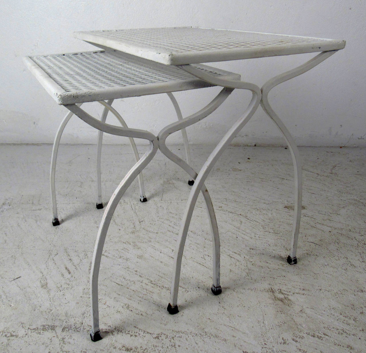 Mid Century Set Of White Wrought Iron Nesting Tables At 1stdibs. Full resolution  image, nominally Width 1280 Height 1232 pixels, image with #5F5B51.