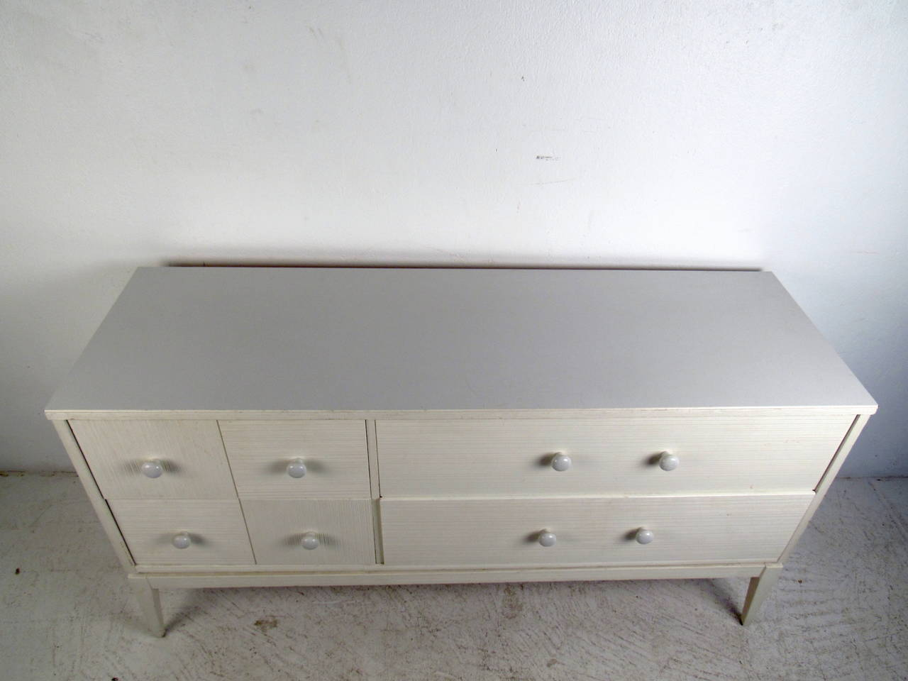 white fourdrawer low dresser by kroehler furniture 3 - Kroehler Furniture