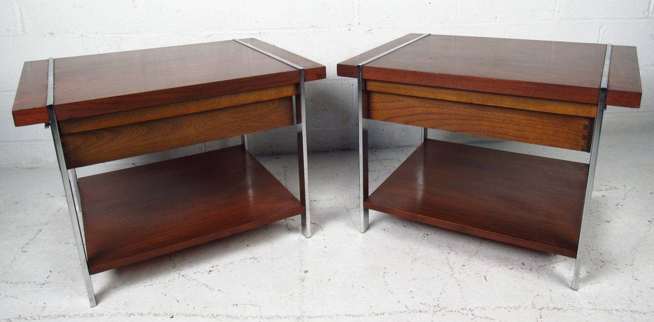 American Mid-Century Modern End Tables by Lane Furniture For Sale