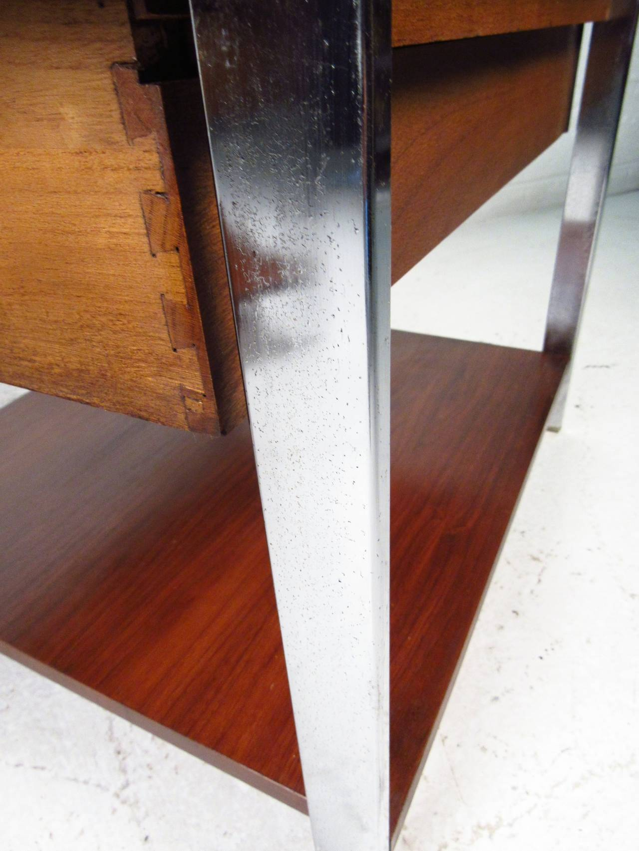 Chrome Mid-Century Modern End Tables by Lane Furniture For Sale