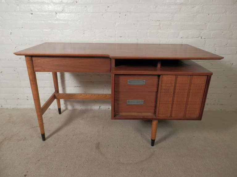 vintage hooker furniture desk. Mid-century Modern American Desk By Hooker For Their Mainline Collection. Featuring A \ Vintage Furniture G