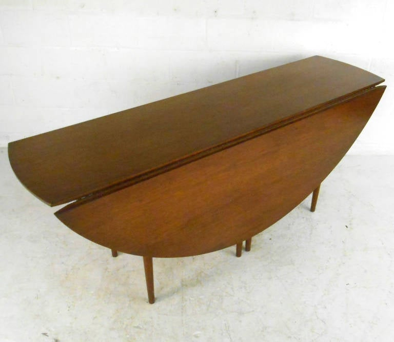 Large Mid Century Modern Drop Leaf Gateleg Table By