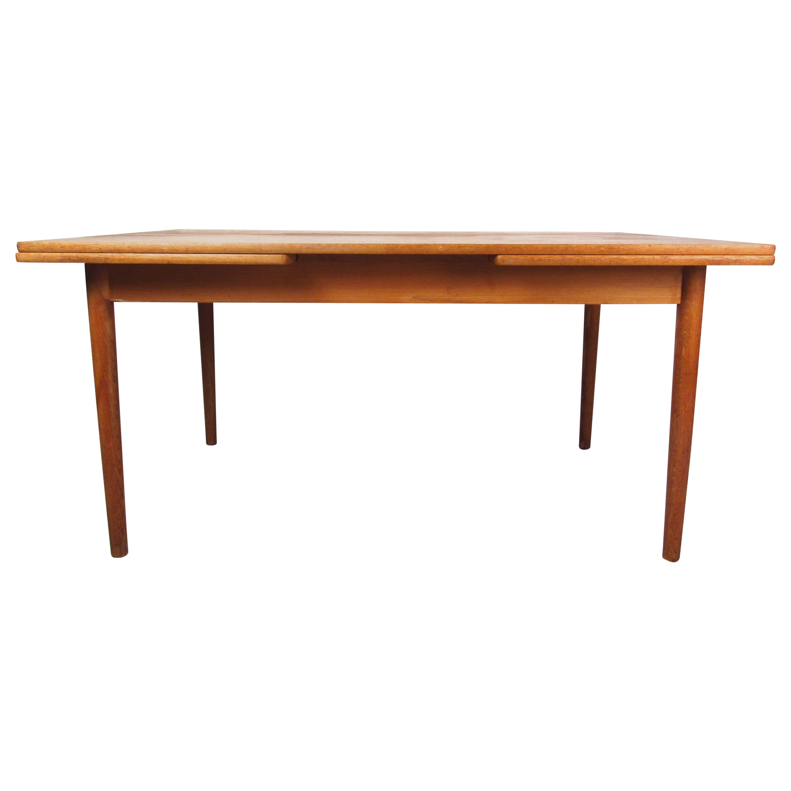 Mid-Century Modern Draw-Leaf Oak Dining Table by Hans Wegner for Andreas Tuck