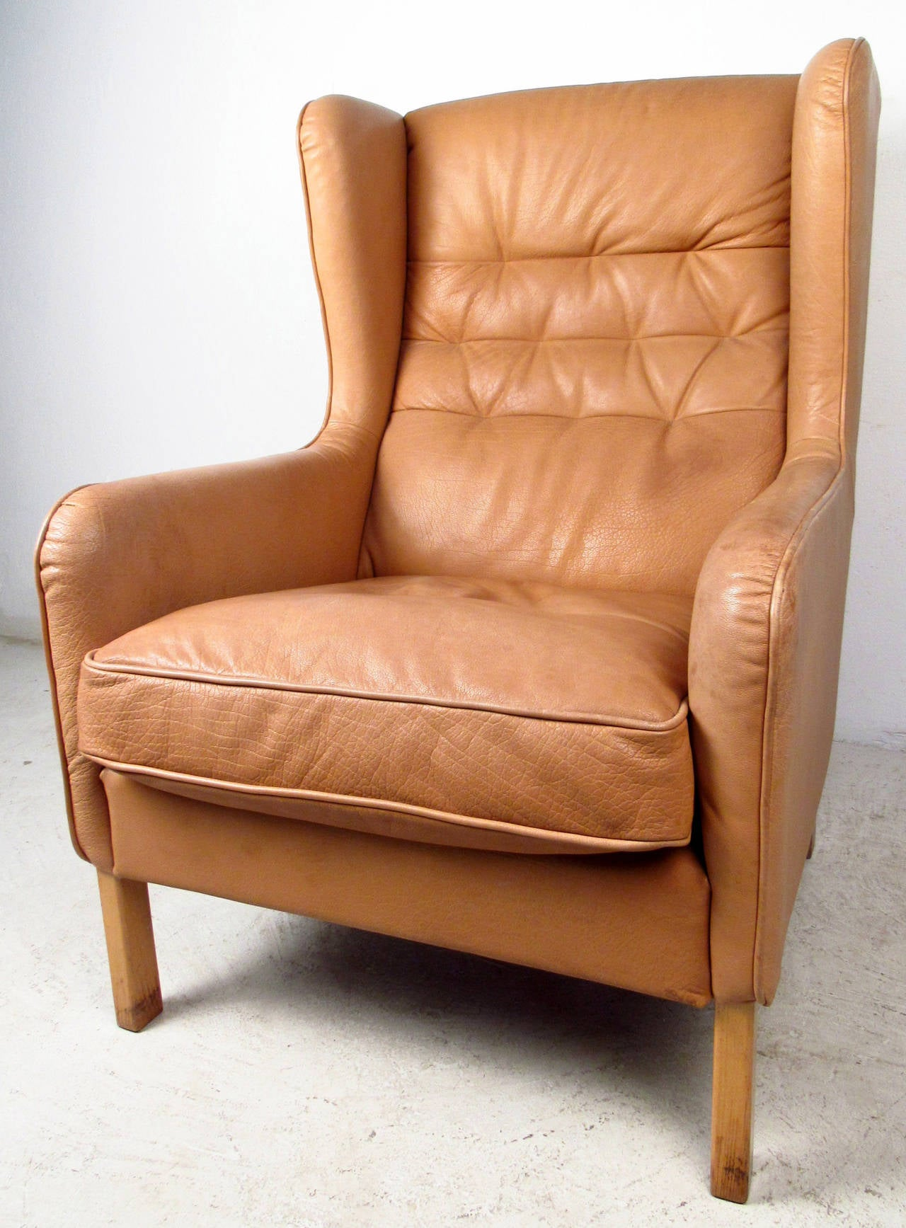 Mid-20th Century Mid-Century Modern Tufted Leather Wingback Lounge Chair For Sale