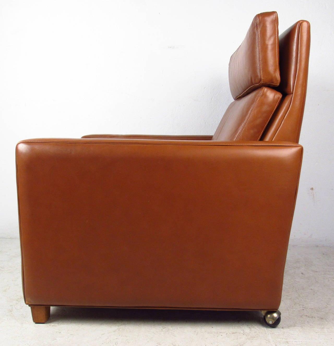 Scandinavian Modern Børge Mogensen Leather Lounge Chair For Sale
