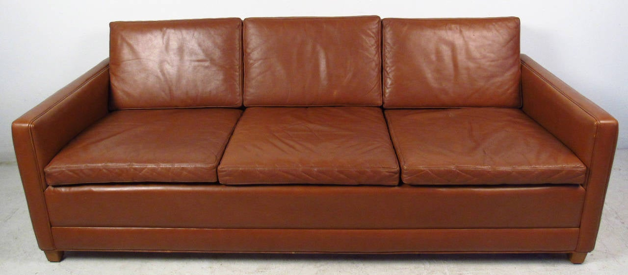 Mid-Century Modern Vintage Leather Sofa in the Style of Borge Mogensen For Sale