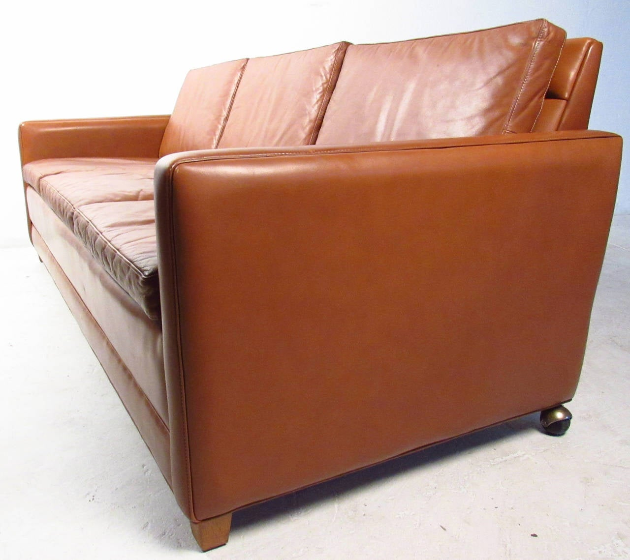 Vintage Leather Sofa in the Style of Borge Mogensen In Good Condition For Sale In Brooklyn, NY