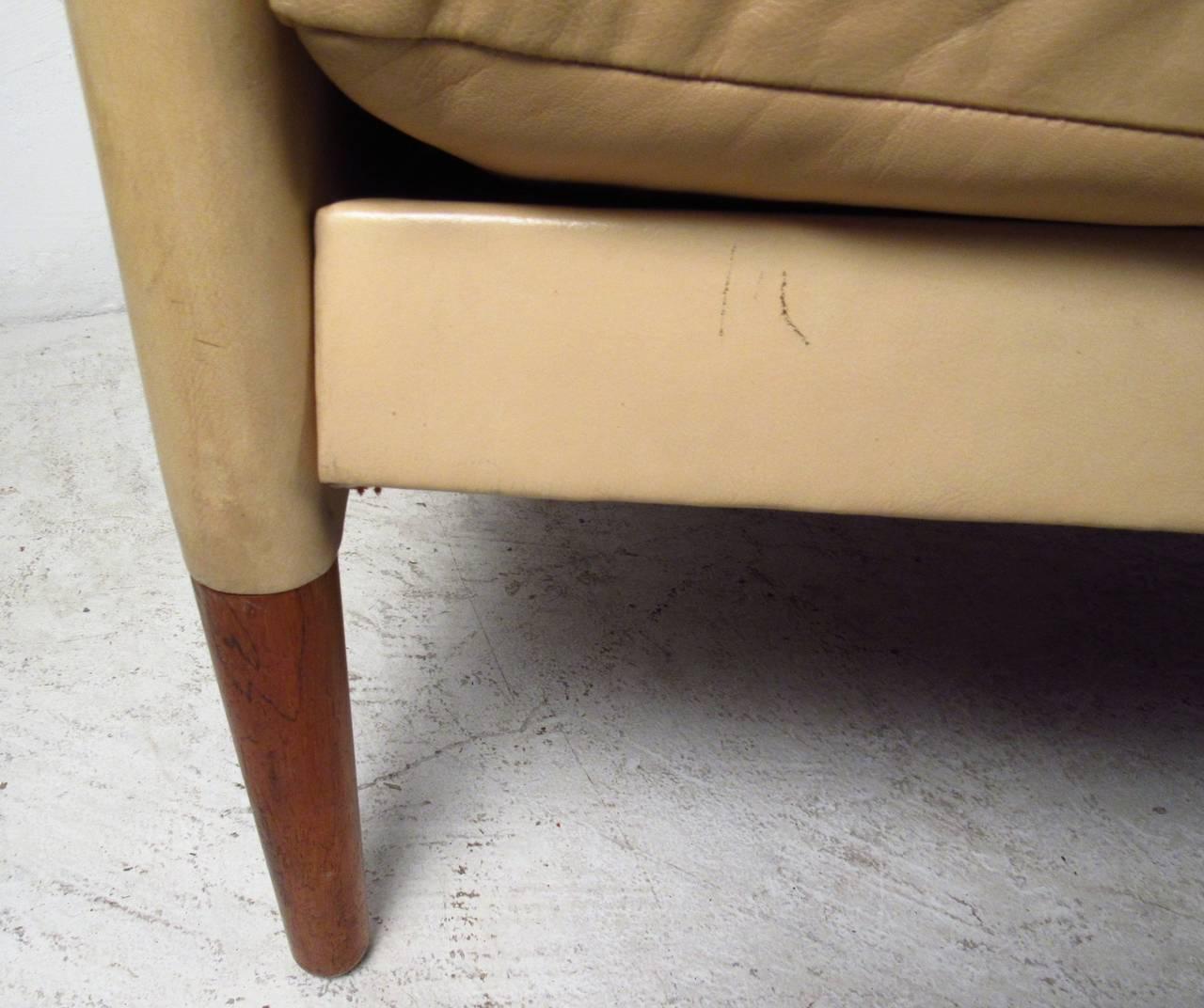 Vintage Danish Leather Sofa For Sale 4
