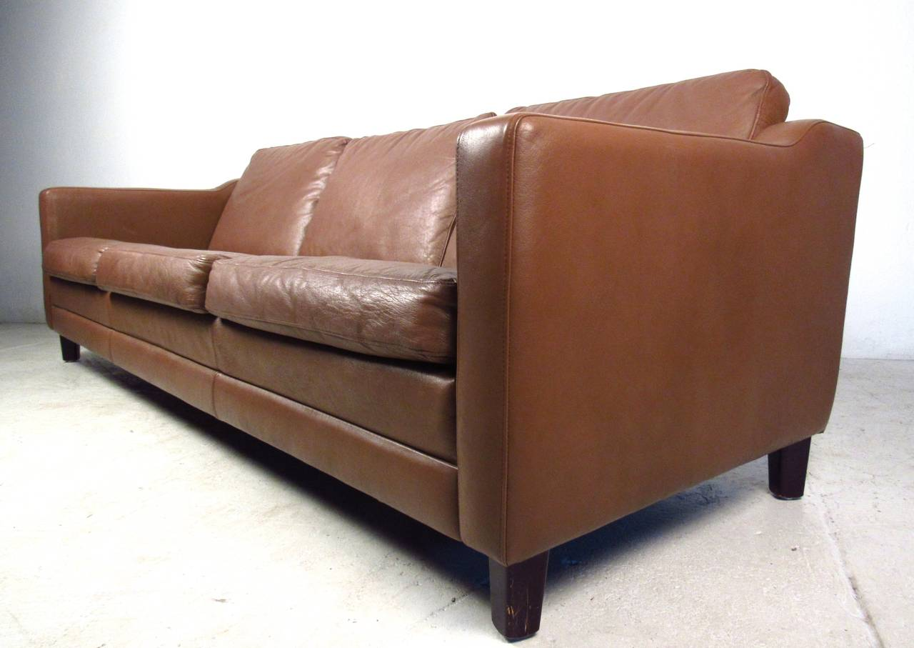 Mid-Century Modern Vintage Leather Sofa in the Style of Børge Mogensen For Sale