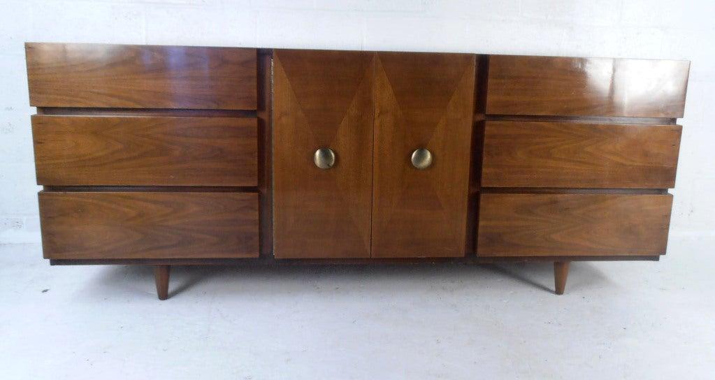 Vintage walnut server by american of martinsville at 1stdibs for Vintage american martinsville bedroom furniture