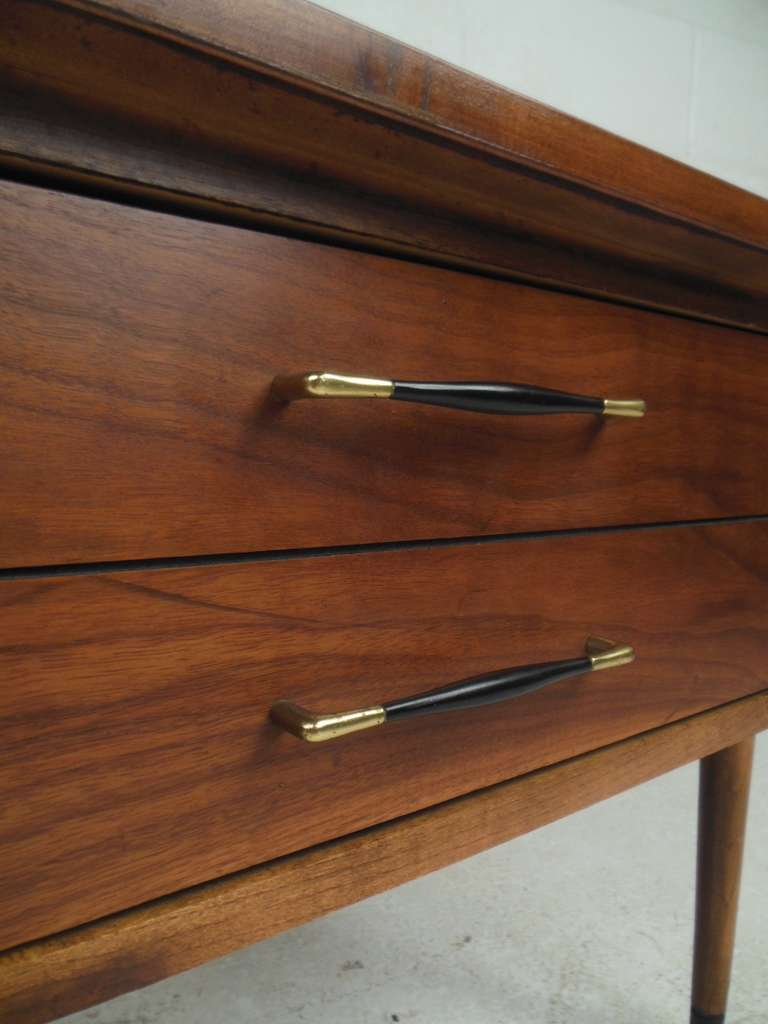 American Pair of Midcentury Lamp Tables For Sale