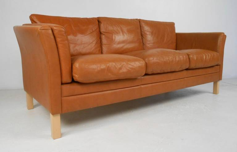 Scandinavian Modern Leather Sofa For Sale at 1stdibs