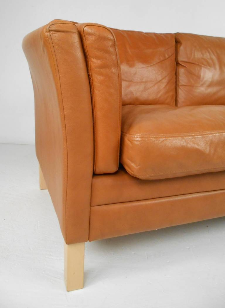 Classic scandinavian style leather sofa at 1stdibs for Classic style sofa