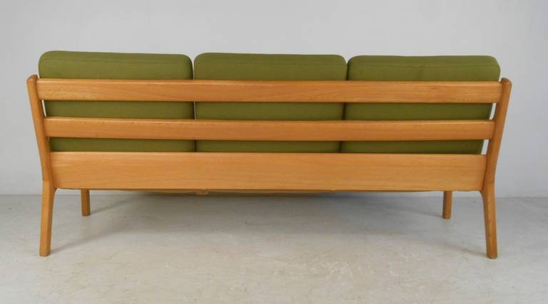 Ole Wanscher #166 Sofa for Cado in Senator Oak In Good Condition For Sale In Brooklyn, NY