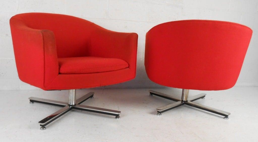 Swivel barrel chairs - Mid Century Modern Swivel Club Chairs At 1stdibs