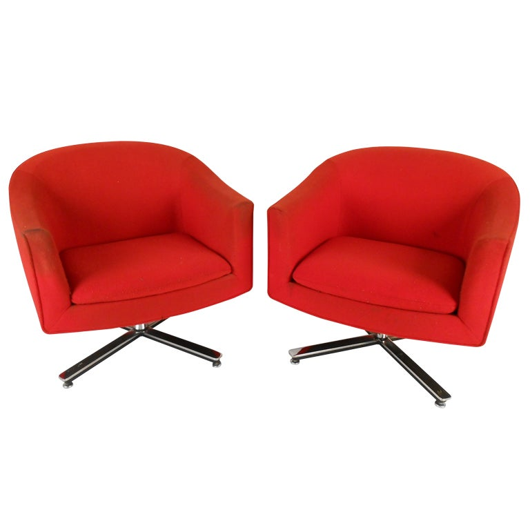 Mid century modern swivel club chairs at 1stdibs for Modern swivel chair