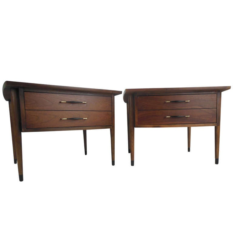 Pair of Midcentury Lamp Tables For Sale