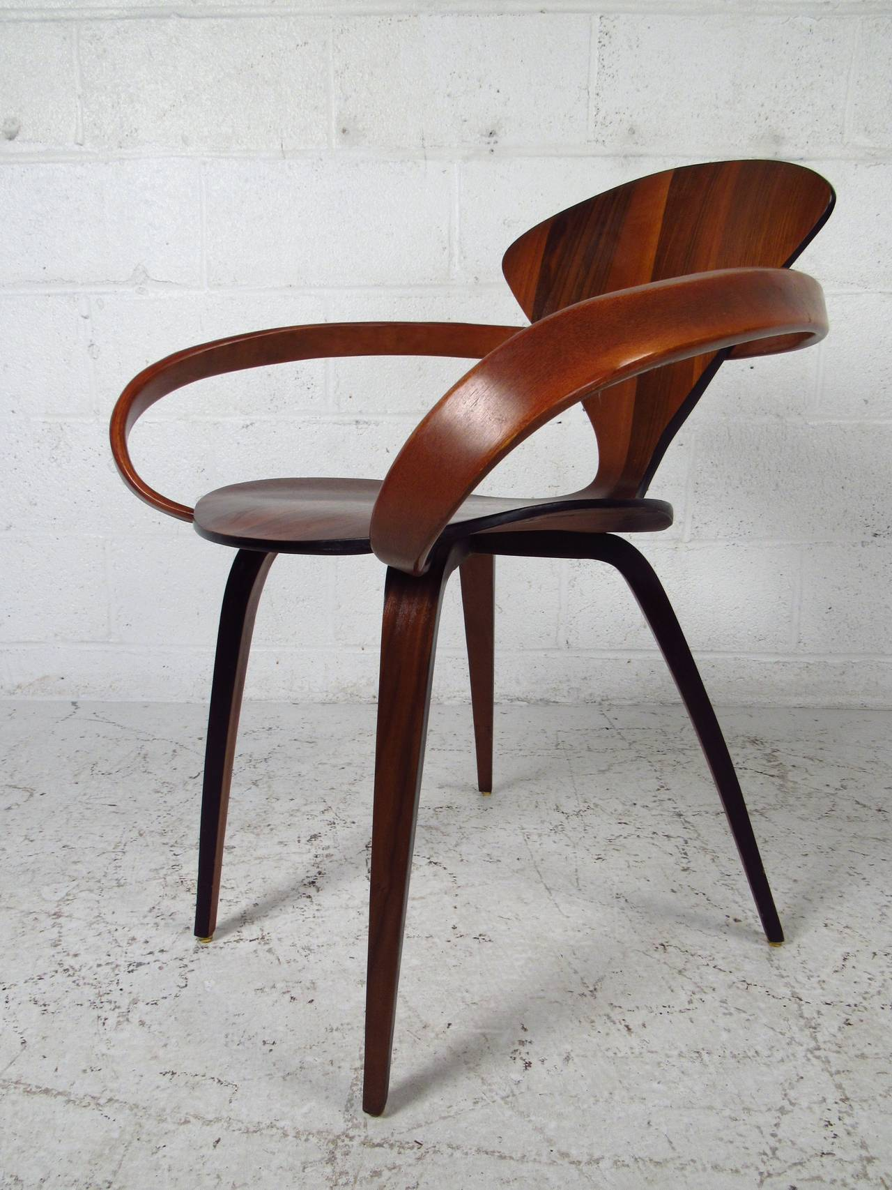 Mid Century Modern Norman Cherner For Plycraft Bentwood Pretzel Chair In  Good Condition For Sale