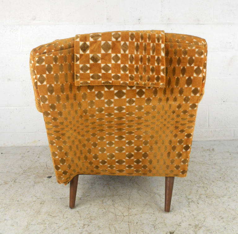 Fence Three Seater Booth furthermore Id F 3301452 as well 1121049424 further 22178293 heywood Wakefield Victorian Wicker Rocking Chair also Id F 1301346. on armchair seat leg repair