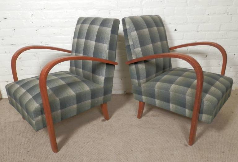 Mid Century Modern Chairs W Curved Arms At 1stdibs