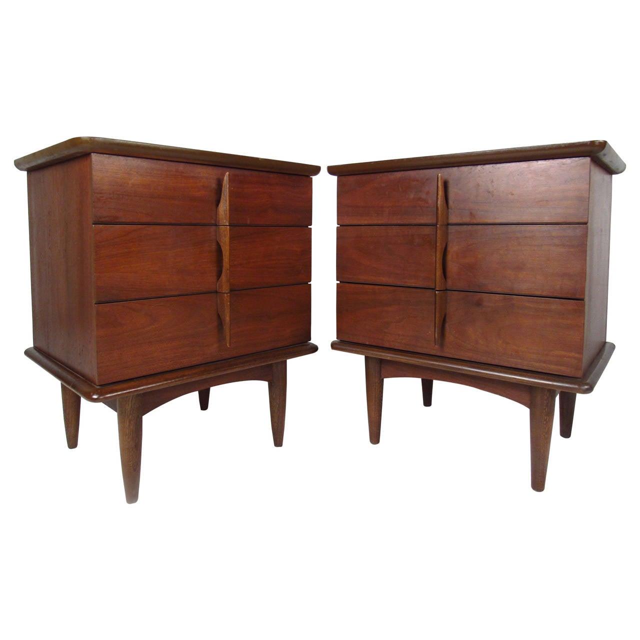 Mid century modern american walnut night stands at 1stdibs for American walnut bedroom furniture