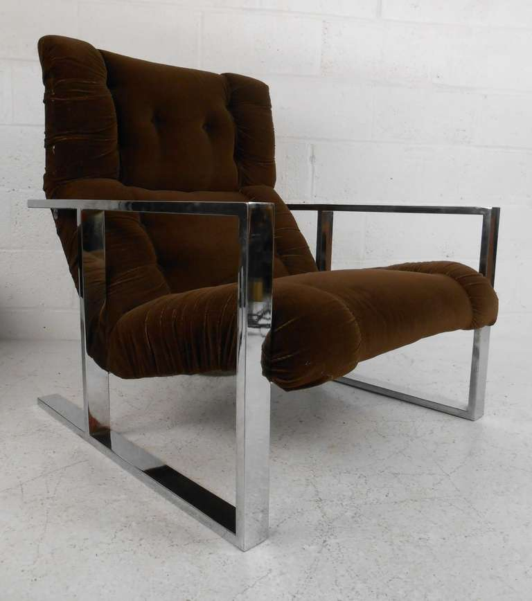 Mid-Century Modern Vintage Lounge Chair with Ottoman after Milo Baughman For Sale