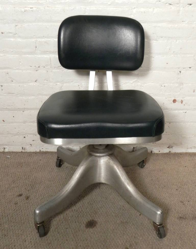 American Mid Century Desk Chair By Shaw Walker For Sale