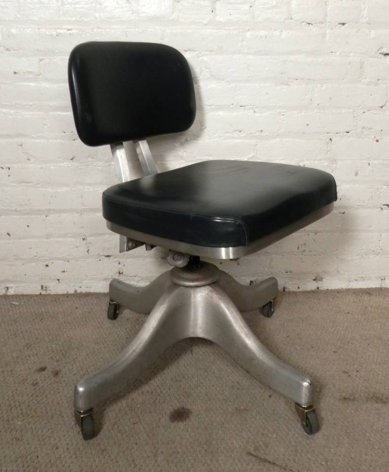 Mid Century Desk Chair By Shaw Walker At 1stdibs