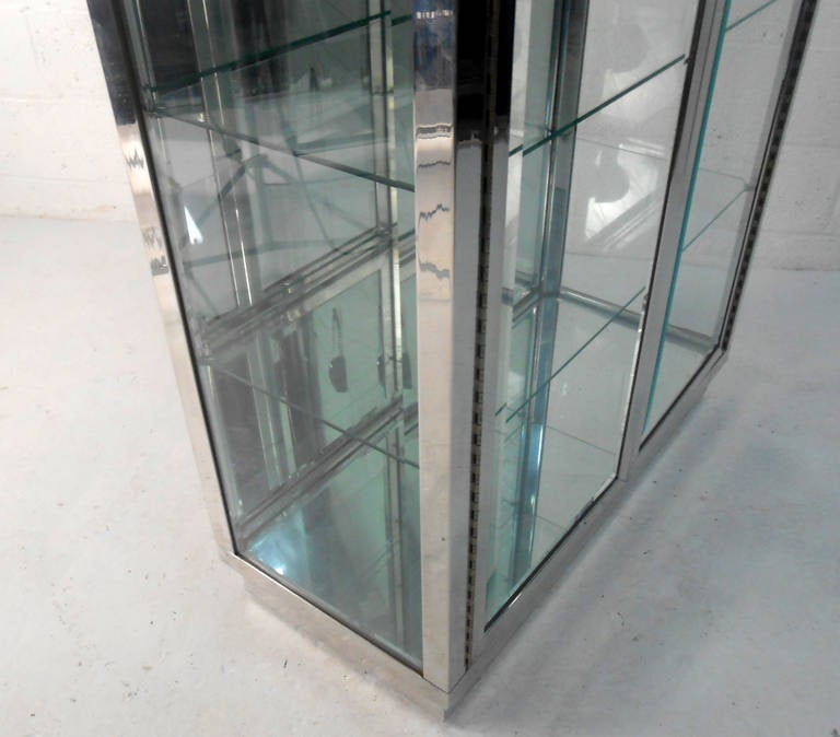 Mid Century Modern Chrome And Glass Mirrored Display
