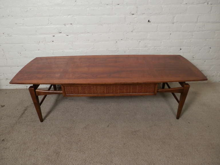 Mid Century Modern Coffee Table w Drawer By Lane at 1stdibs : PA230793l from 1stdibs.com size 768 x 576 jpeg 39kB