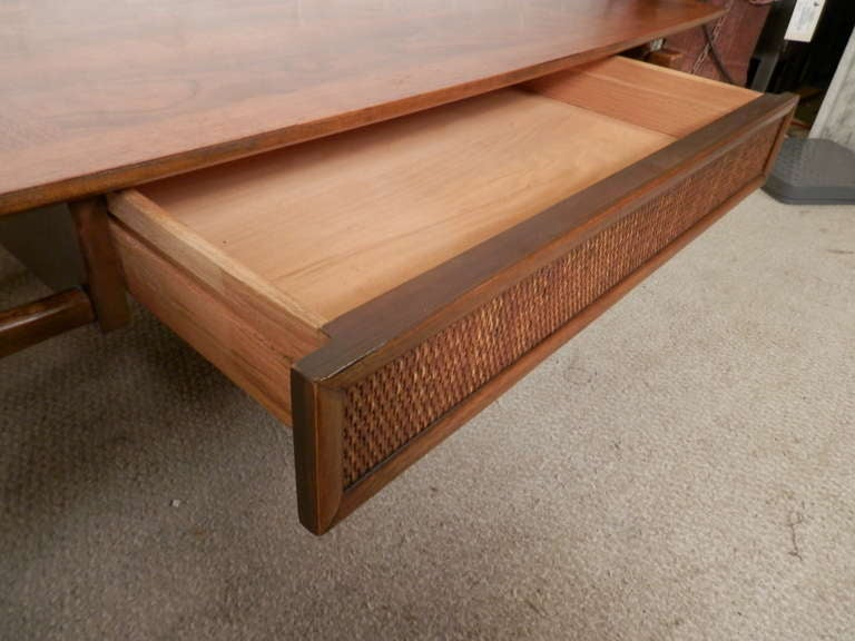 Mid Century Modern Coffee Table W Drawer By Lane At 1stdibs