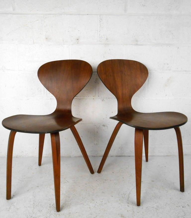 pair midcentury modern norman cherner plycraft side chairs 3