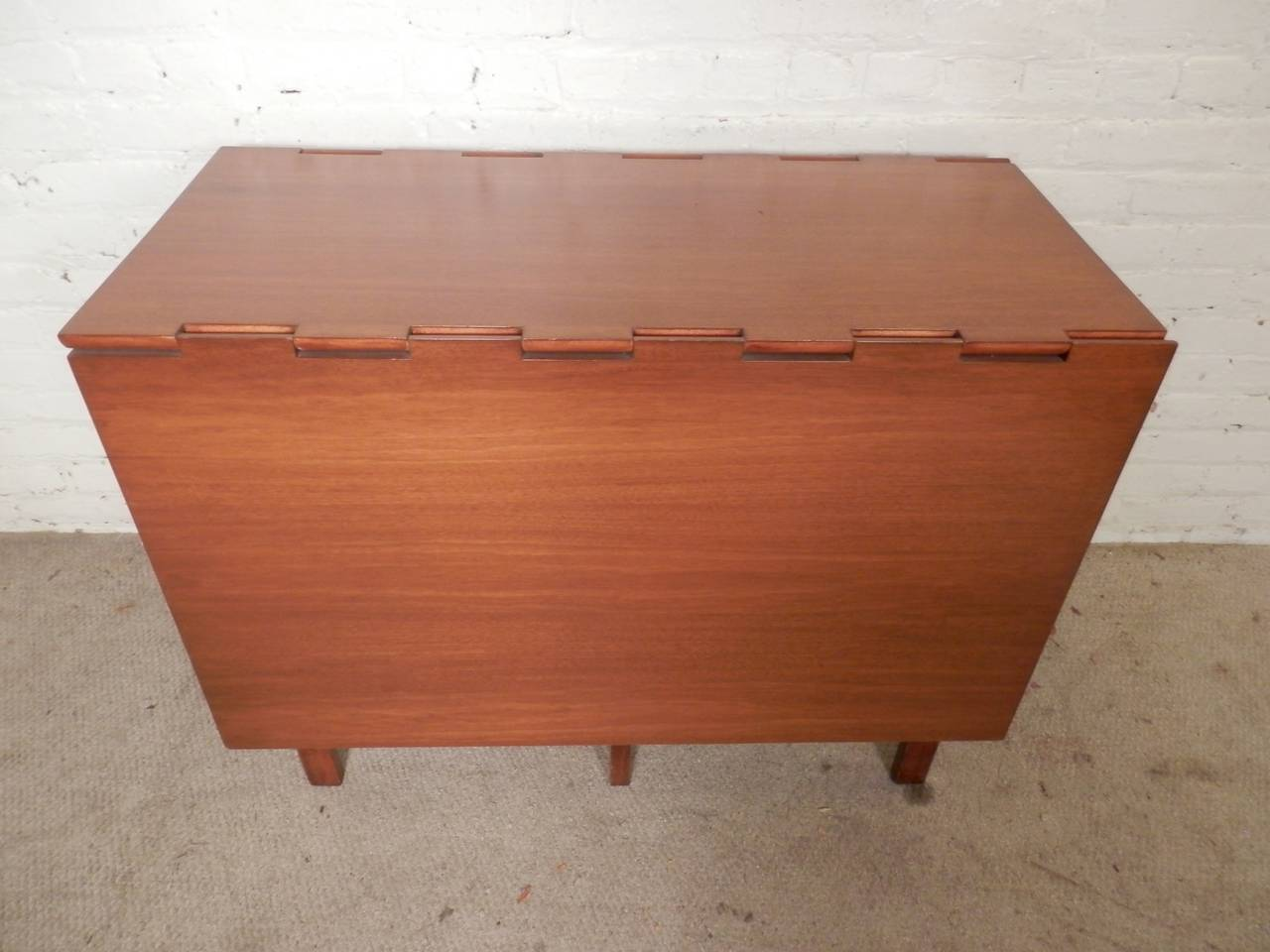 Mid-Century Drop Leaf Table By George Nelson In Good Condition For Sale In Brooklyn, NY
