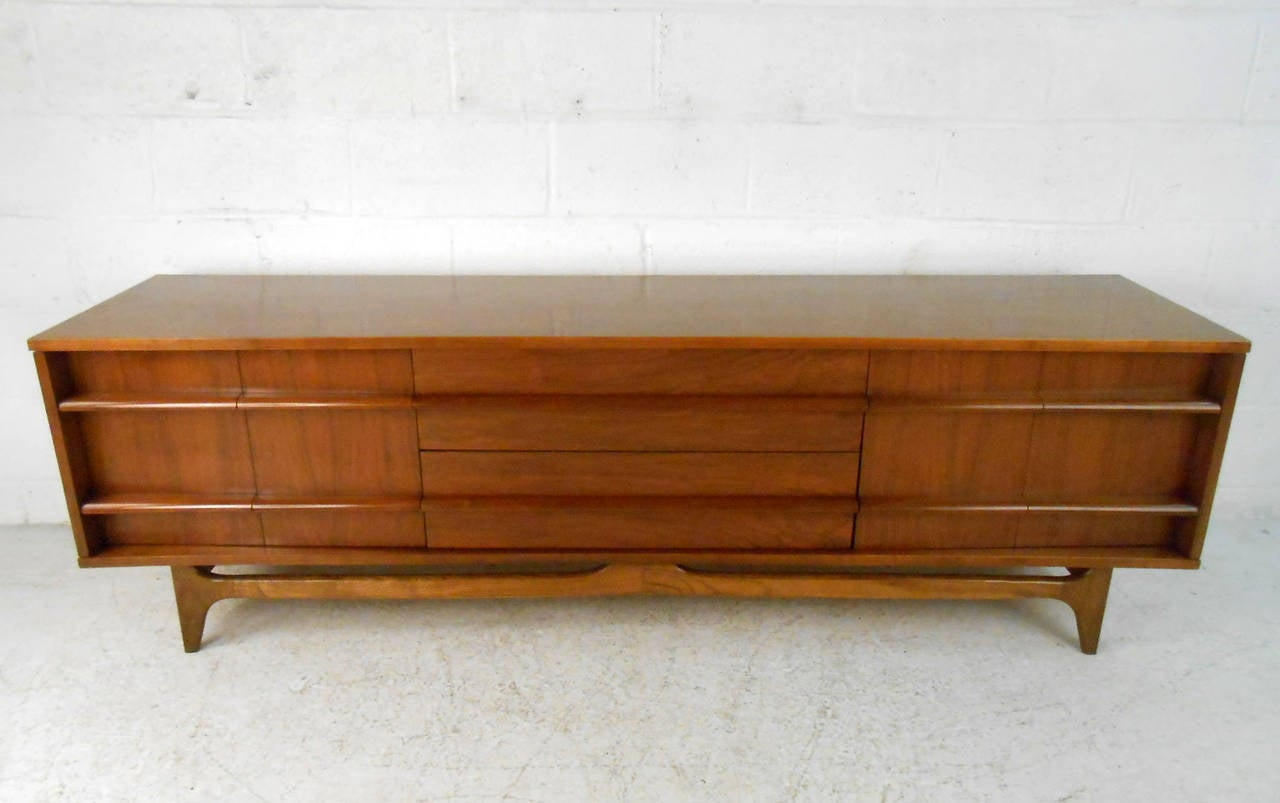 Unique Mid Century Modern Lane Style Sideboard At 1stdibs