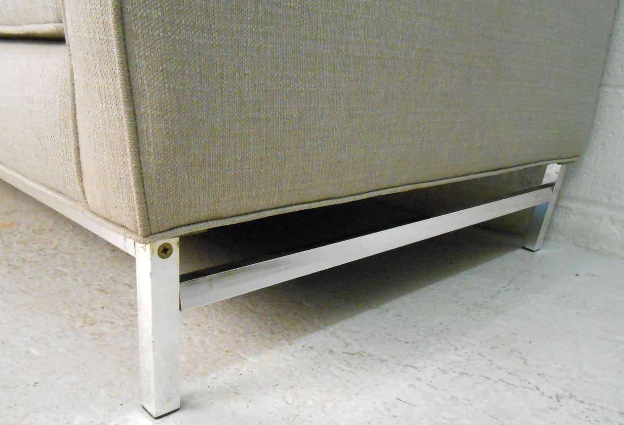 Metal Mid-Century Modern Sofa after Florence Knoll For Sale