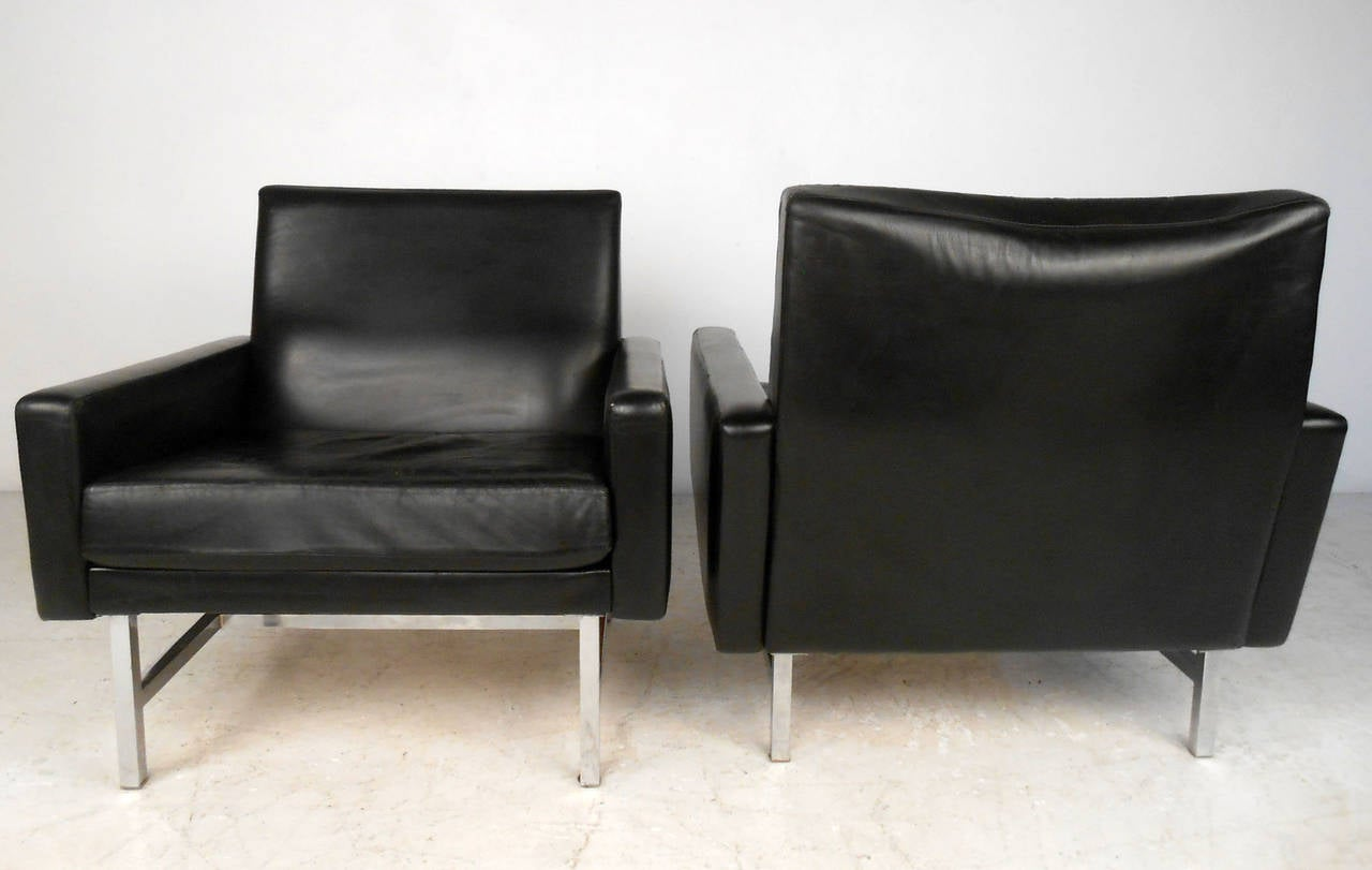 Vintage bent plywood thonet chair - Pair Vintage Modern Leather Lounge Chairs By Thonet For
