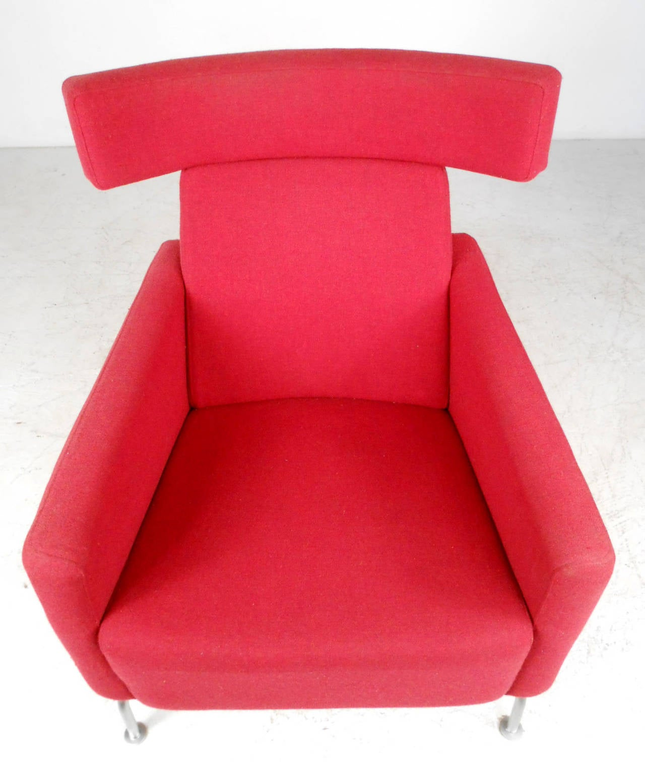 Mid Century Modern Wegner Style Danish Lounge Chair With