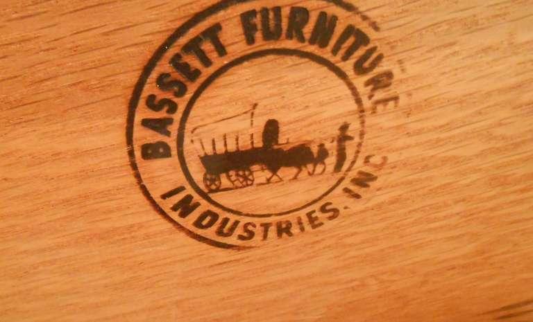 Bassett Furniture Co. Mid Century Modern Bedroom Suite For Sale 2