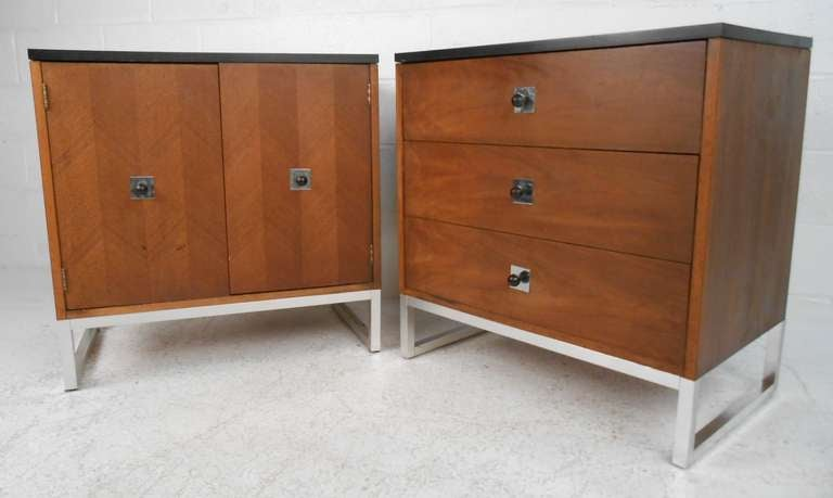 Pair Of Thomasville Furniture Co. Dressers 2