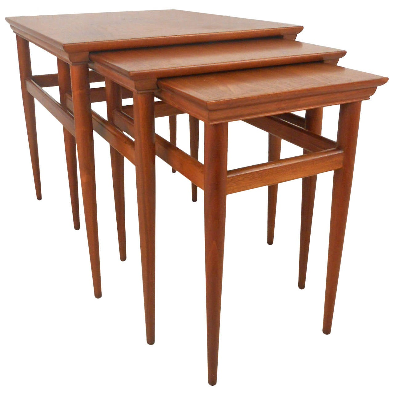 Set Of Mid-Century Modern Nesting Tables By Heritage At