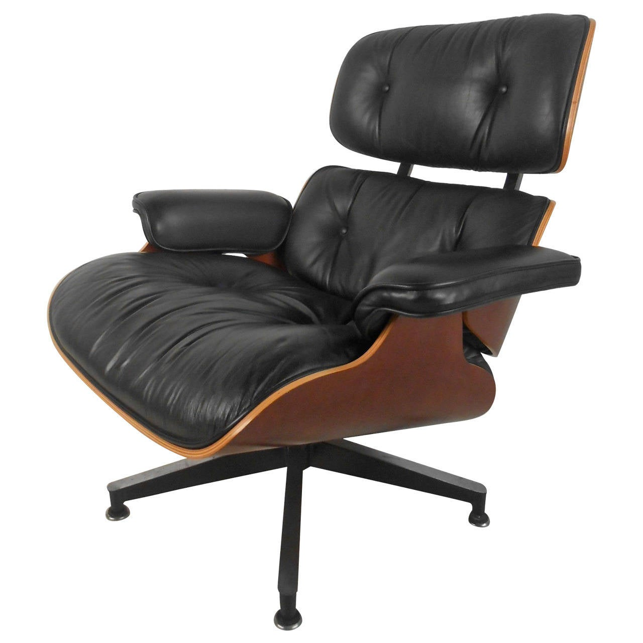 beautiful eames 670 lounge chair for herman miller at 1stdibs. Black Bedroom Furniture Sets. Home Design Ideas
