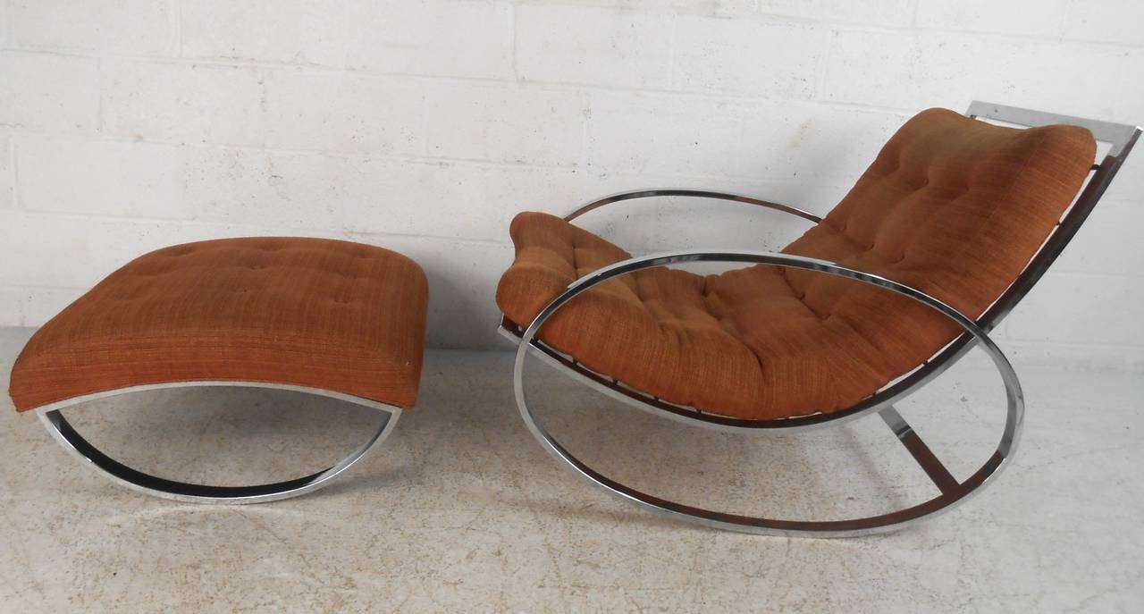 Late 20th Century Milo Baughman Style Mid-Century Modern Renato Zevi Ellipse Chair and Ottoman For Sale