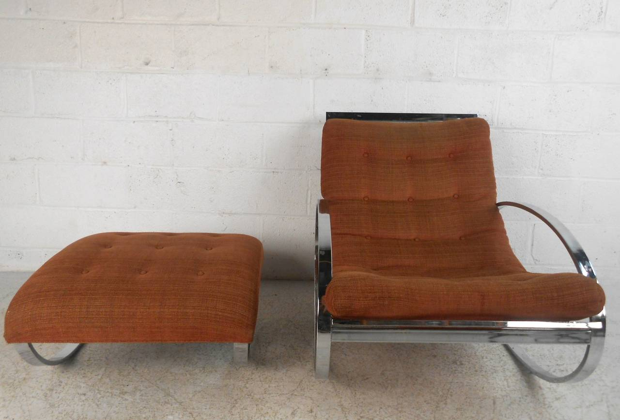 Italian Milo Baughman Style Mid-Century Modern Renato Zevi Ellipse Chair and Ottoman For Sale