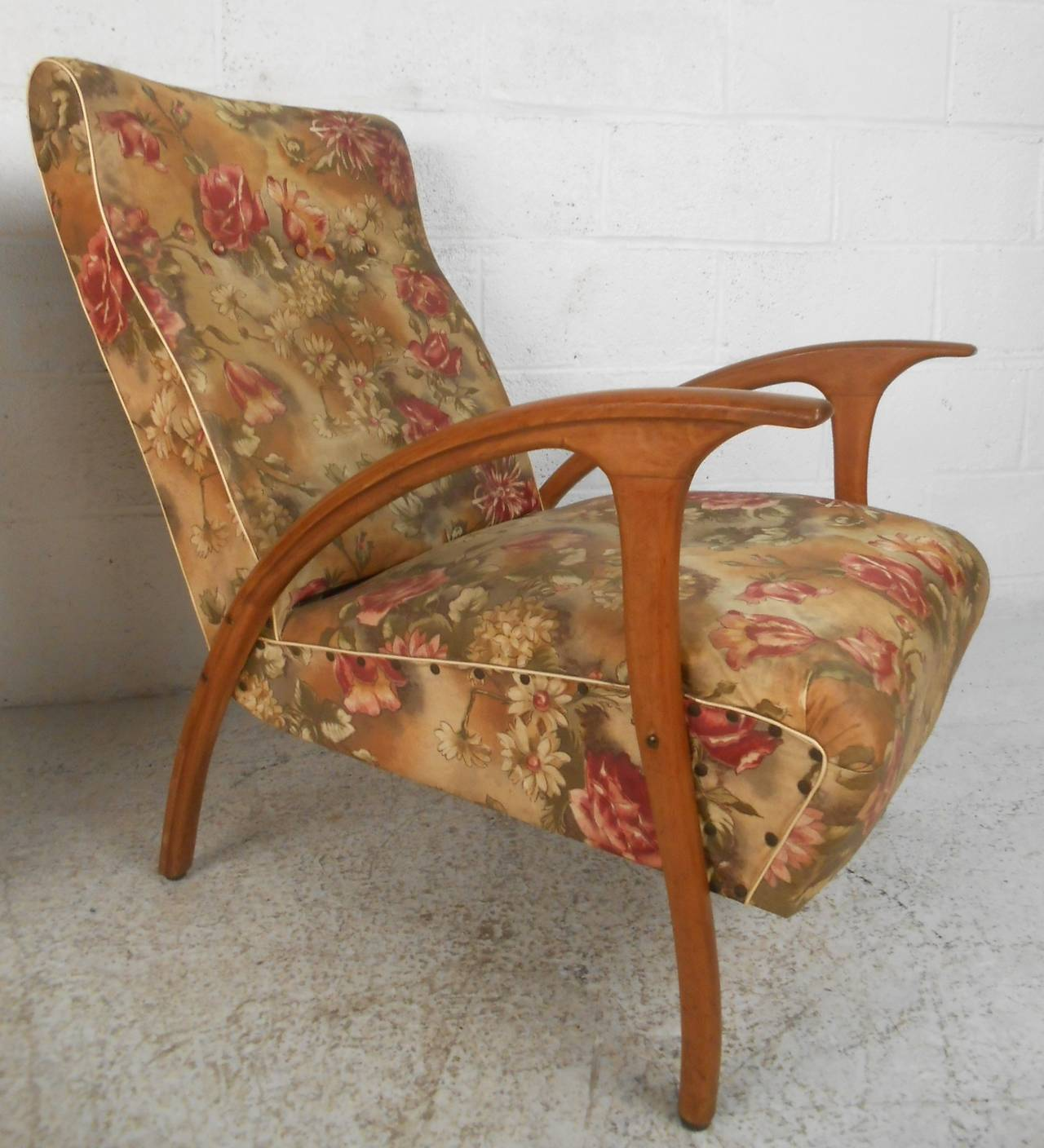 Pair of Mid-Century Modern Paolo Buffa Style Armchairs For Sale 1