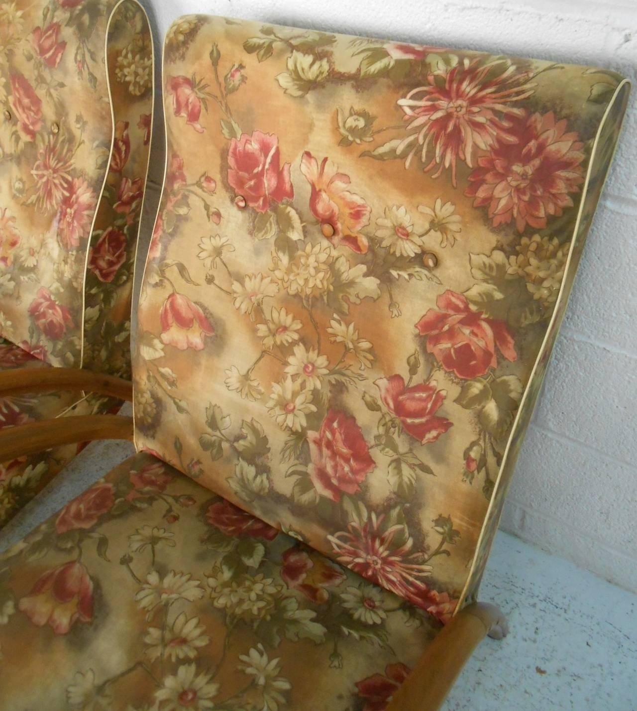 Pair of Mid-Century Modern Paolo Buffa Style Armchairs For Sale 3