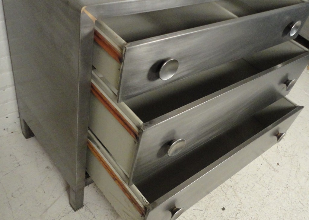 Simmons Low Metal Dresser 3