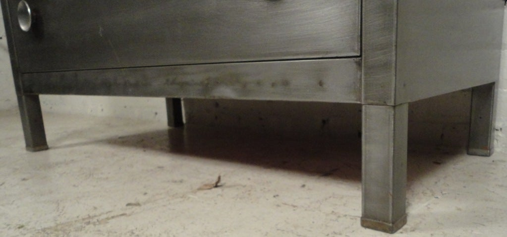 Simmons Low Metal Dresser 4